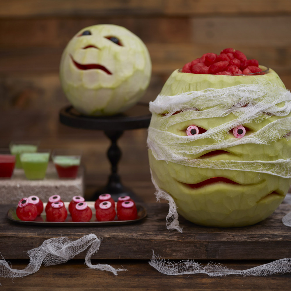 Mummy watermelon carving